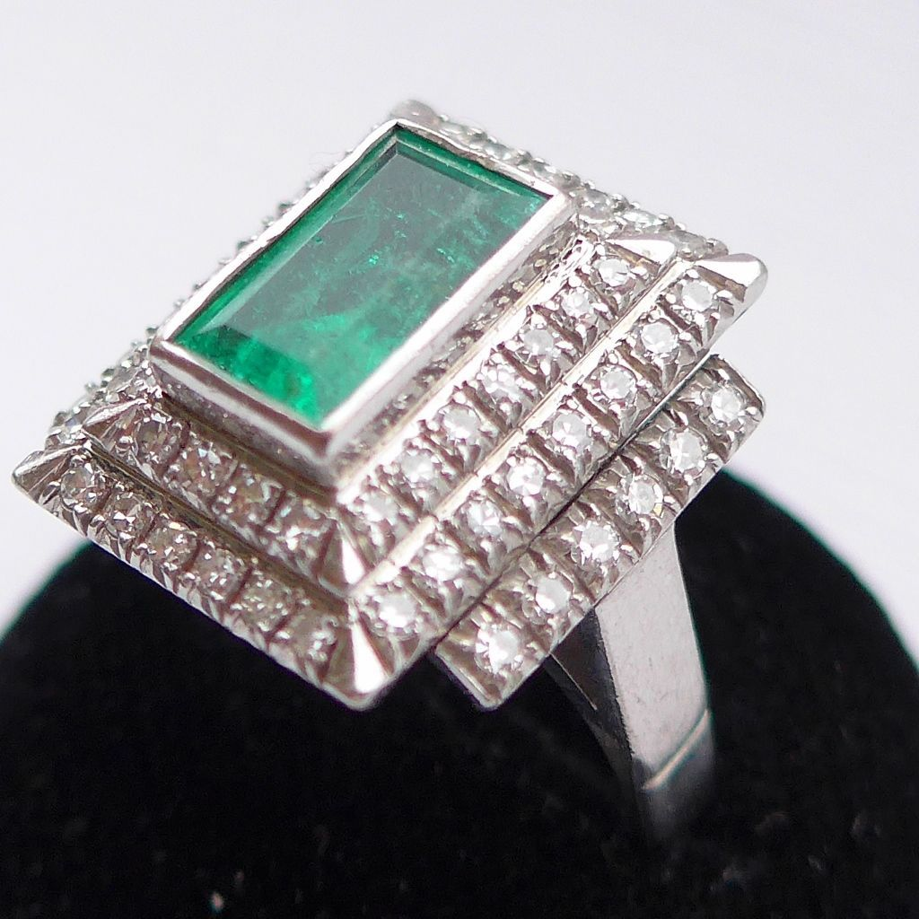 Sold Huge Vintage Art Deco Style 2ct Emerald 1 24 Diamond Ring 18ct White Gold Uk N